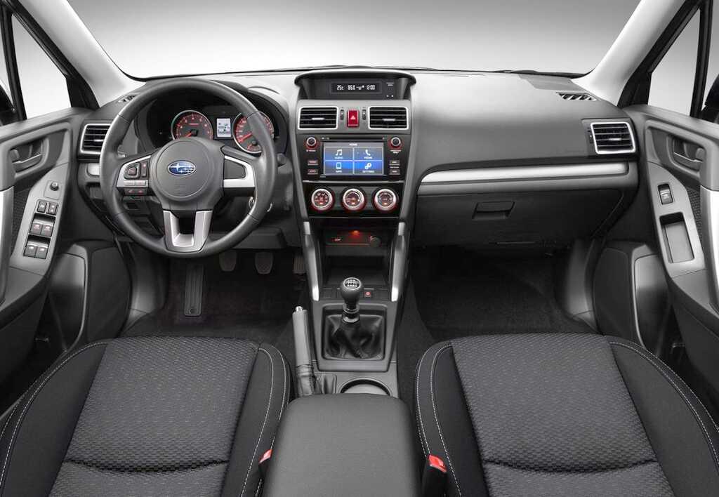салон Subaru Forester 2019
