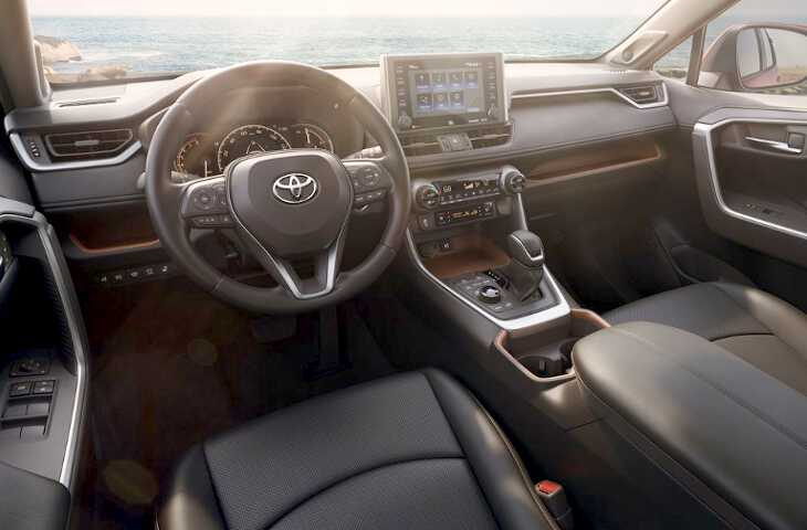 салон Toyota Rav4 2019